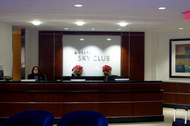 Delta Sky Club in Fort Lauderdale main desk