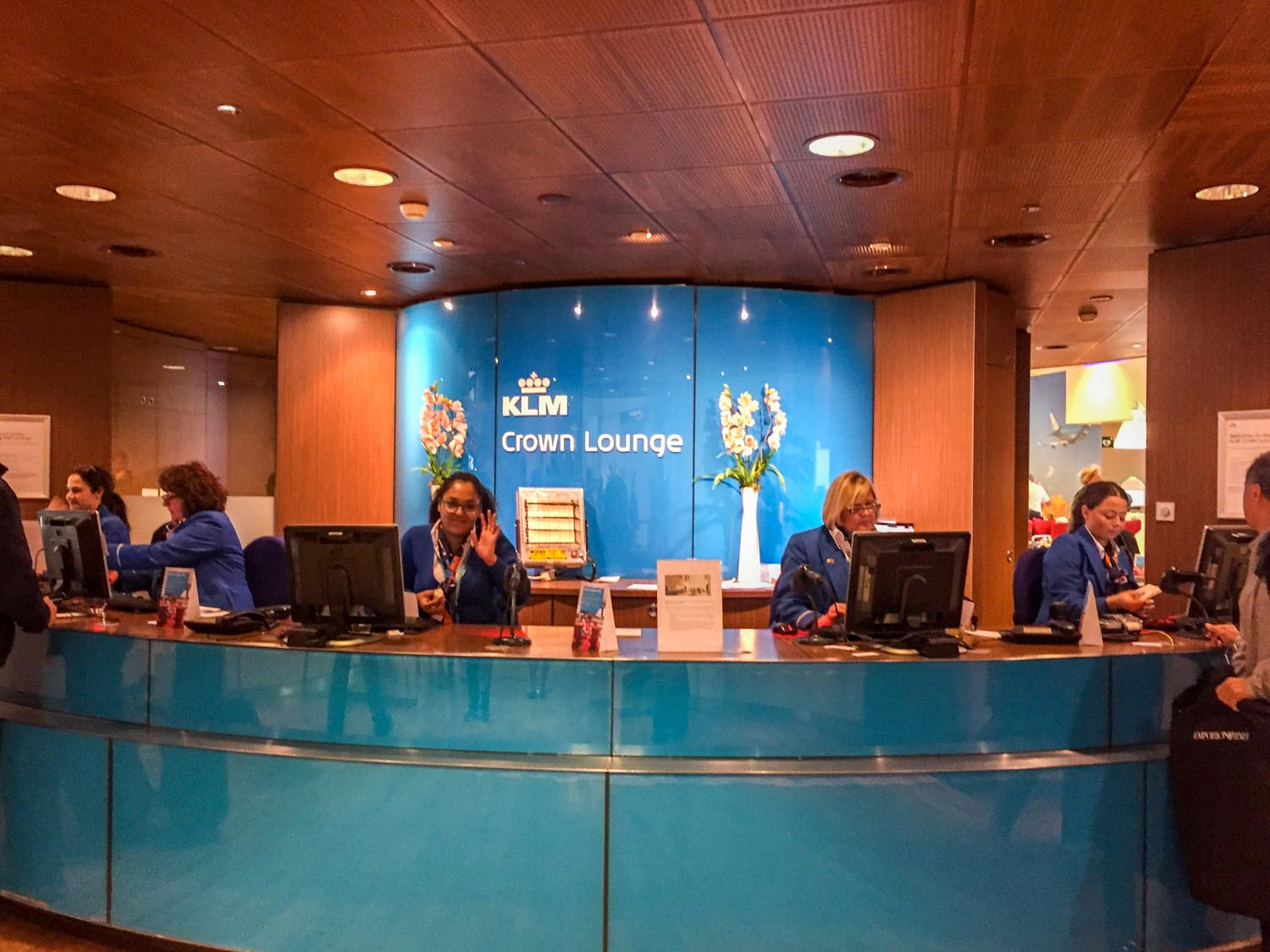 The reception area for KLM Crown Lounge 52.
