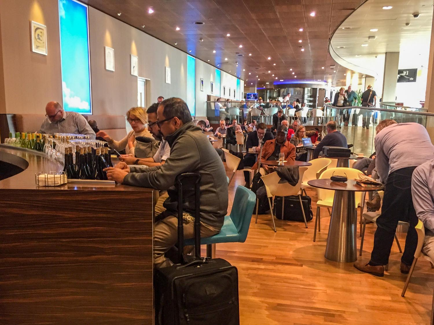 A very crowded KLM Crown Lounge 52