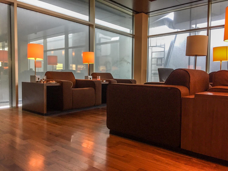 KLM Crown Lounge 52 smoking lounge