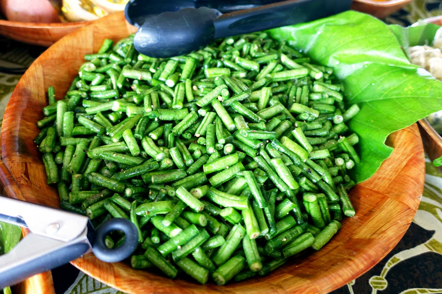 cook islands food green salad