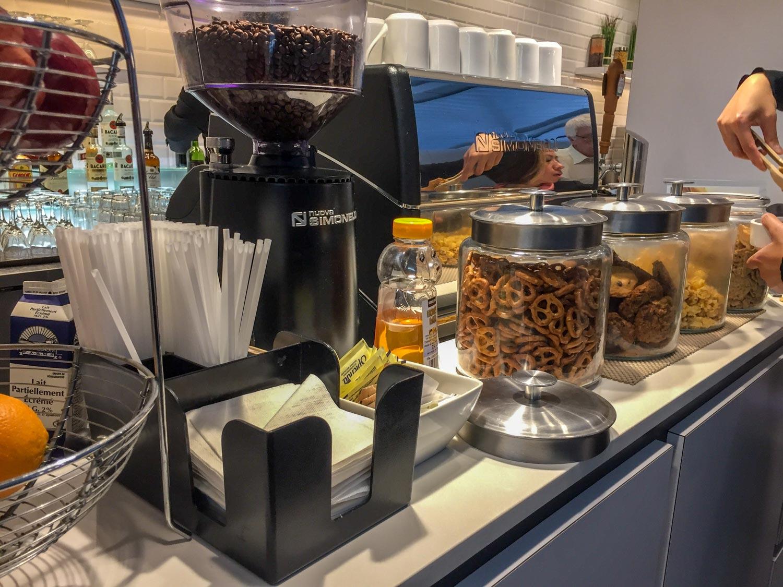 Plaza Premium International Terminal 1 snack bar