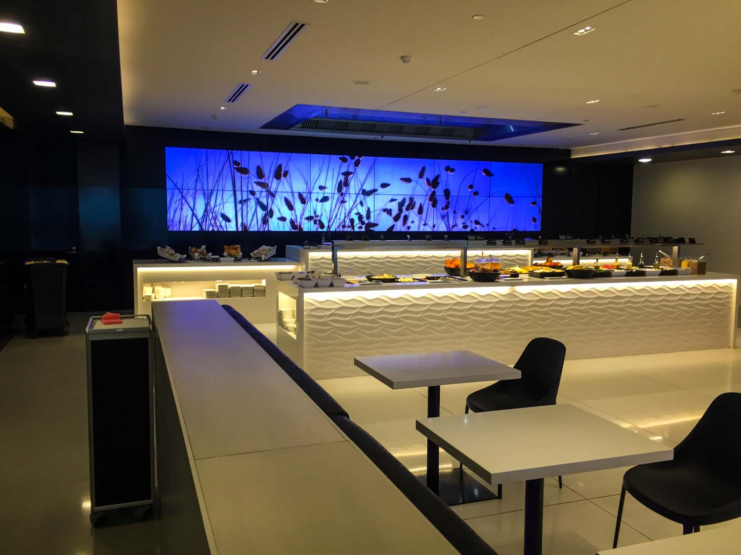 The buffet table at the Air New Zealand International Lounge in Auckland