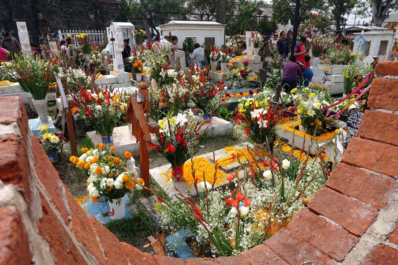 The graveyard at Church of San Andres Apostal