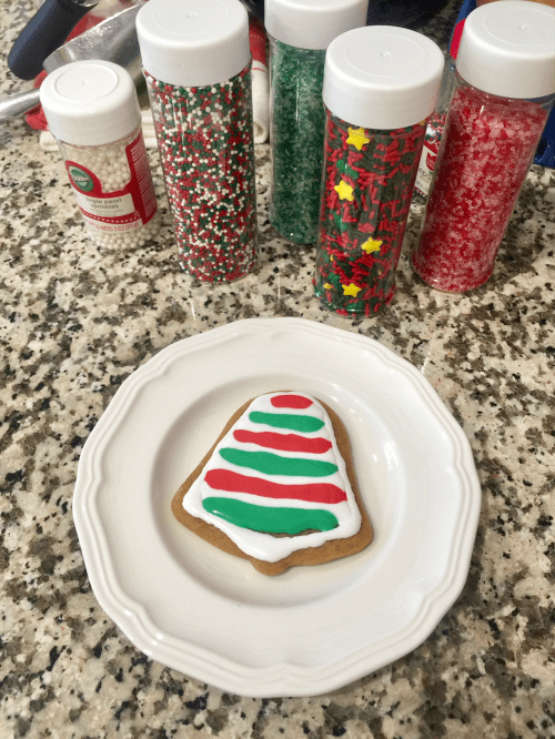 Baking gingerbread cookies at Christmas no longer has to be a tricky process! Here's a perfect recipe, along with some hints for decorating them.