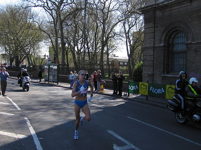 Radcliffe at the 2005 London Marathon