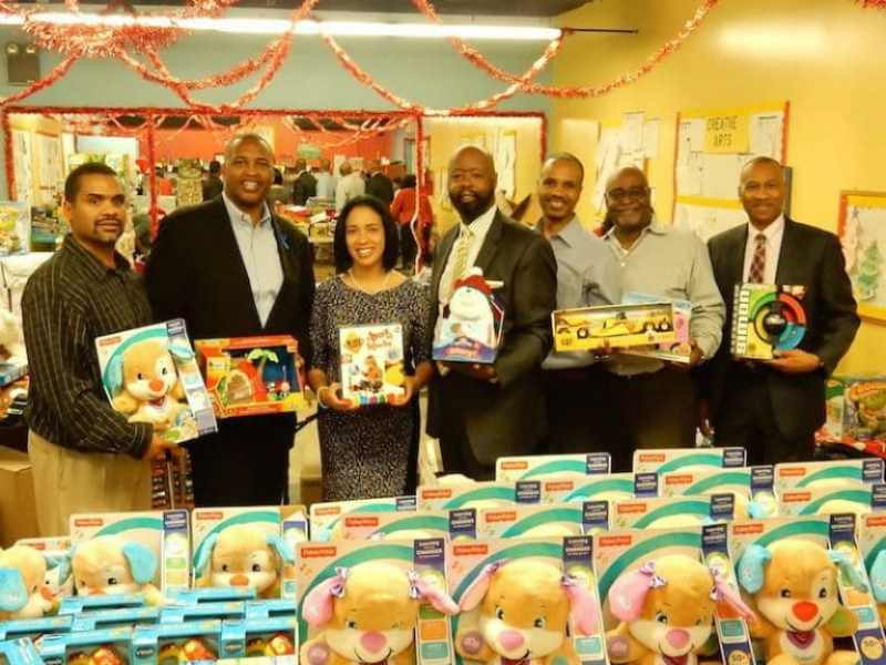 1906 Project, Inc. Christmas Toy Giveaway