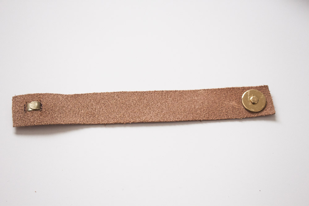 leather-bow-bracelet-step-7