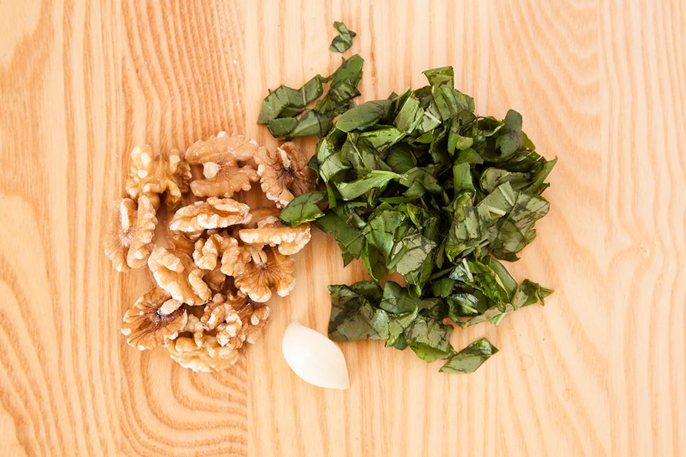 Vegan Spinach + Walnut Pesto