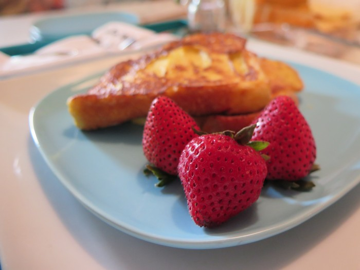 the-savvier-french-toast-strawberry-charleston-blogger