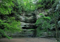 Starved Rock State Park is one of the best day trips from Chicago