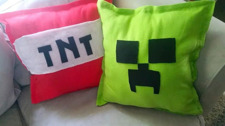 No-Sew Minecraft Pillows