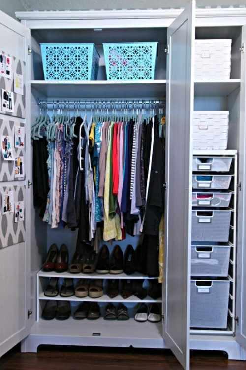 Organizing Closet Clutter