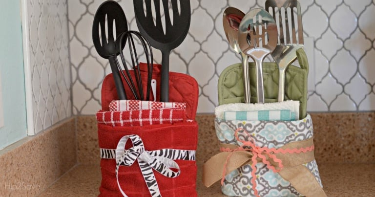 DIY Dollar Tree Mitts and Towel Gift