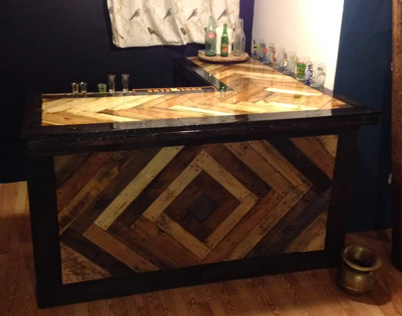 15 Epic Pallet Bar Ideas To Transform Your Space - The Saw Guy on Pallet Design  id=99210