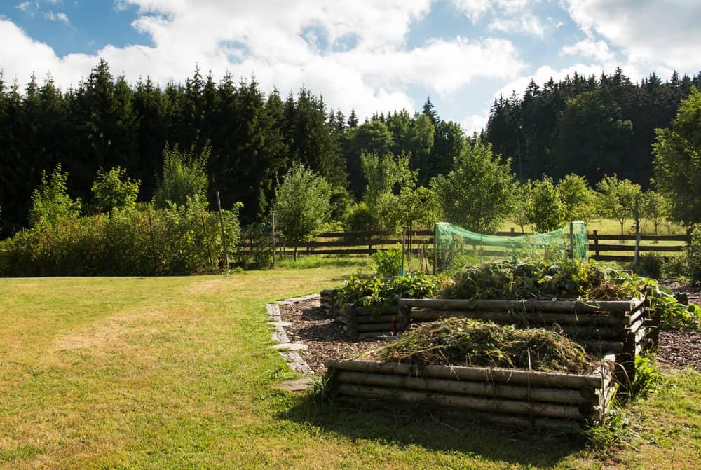 rounded log garden