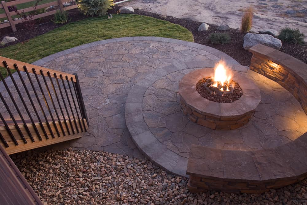 circular stone patio fire pit