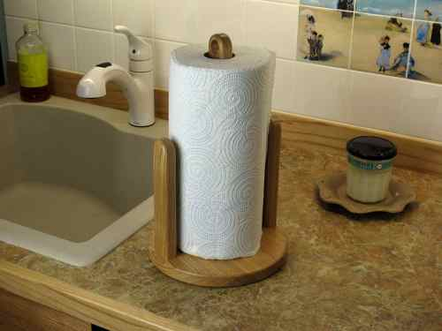 New paper towel holder, great wood project - Quick and easy wood project for the whole family