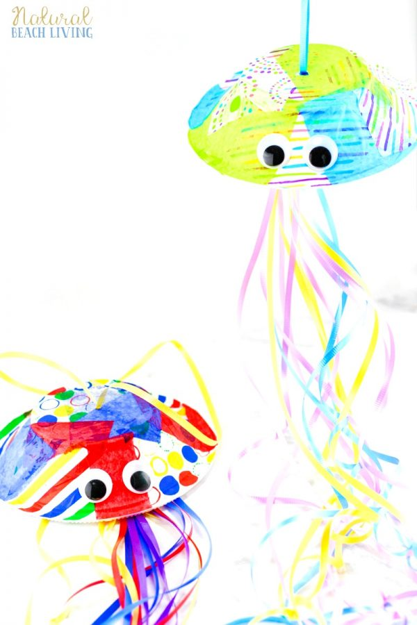 Easy Paper Bowl Jellyfish Create a beautiful paper bowl jellyfish without a lot of materials. Put on some aprons, break out the paint, and prepare to get a little dirty. This craft idea is a blast and the children will have loads of fun. thesawguy.com