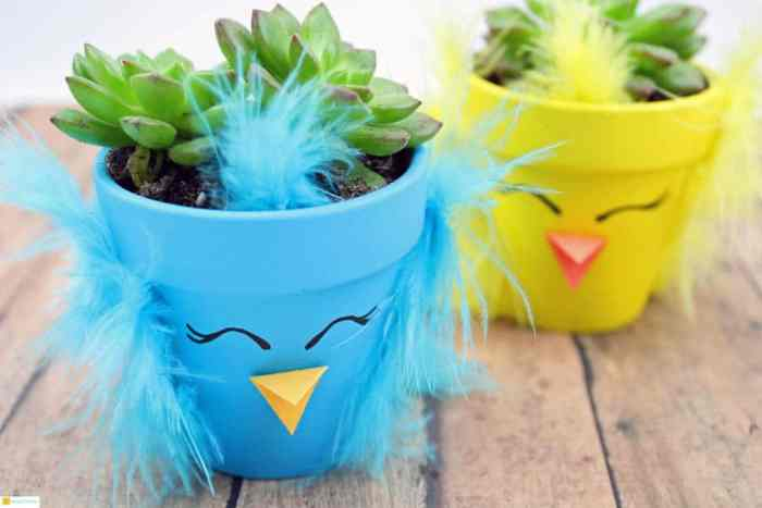 Spring Chick Succulent Planters Decorate your home or office with these adorable spring chick succulent planters. You can't help but smile when you lay your eyes on these cute chicks. Another idea that would also make a terrific gift idea.thesawguy.com