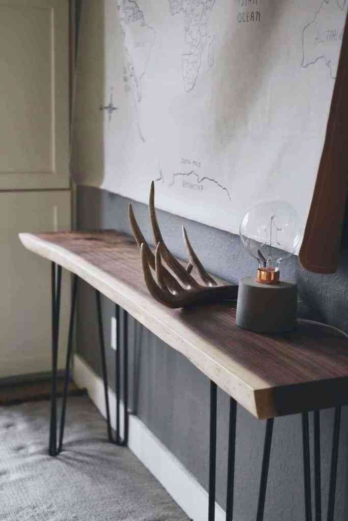 A live edge console table is a stunning piece that you need in your home or office! It is so gorgeous and has everything you need. Plus, the black walnut is out of this world beautiful. thesawguy.com