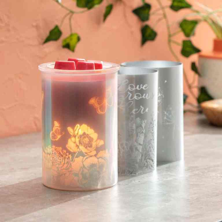 Scentsy Cast – Pink Warmer and Spring Pack