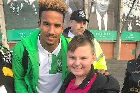 Scott Sinclair Vows To Give Young Celtic Fan Signed Shirt