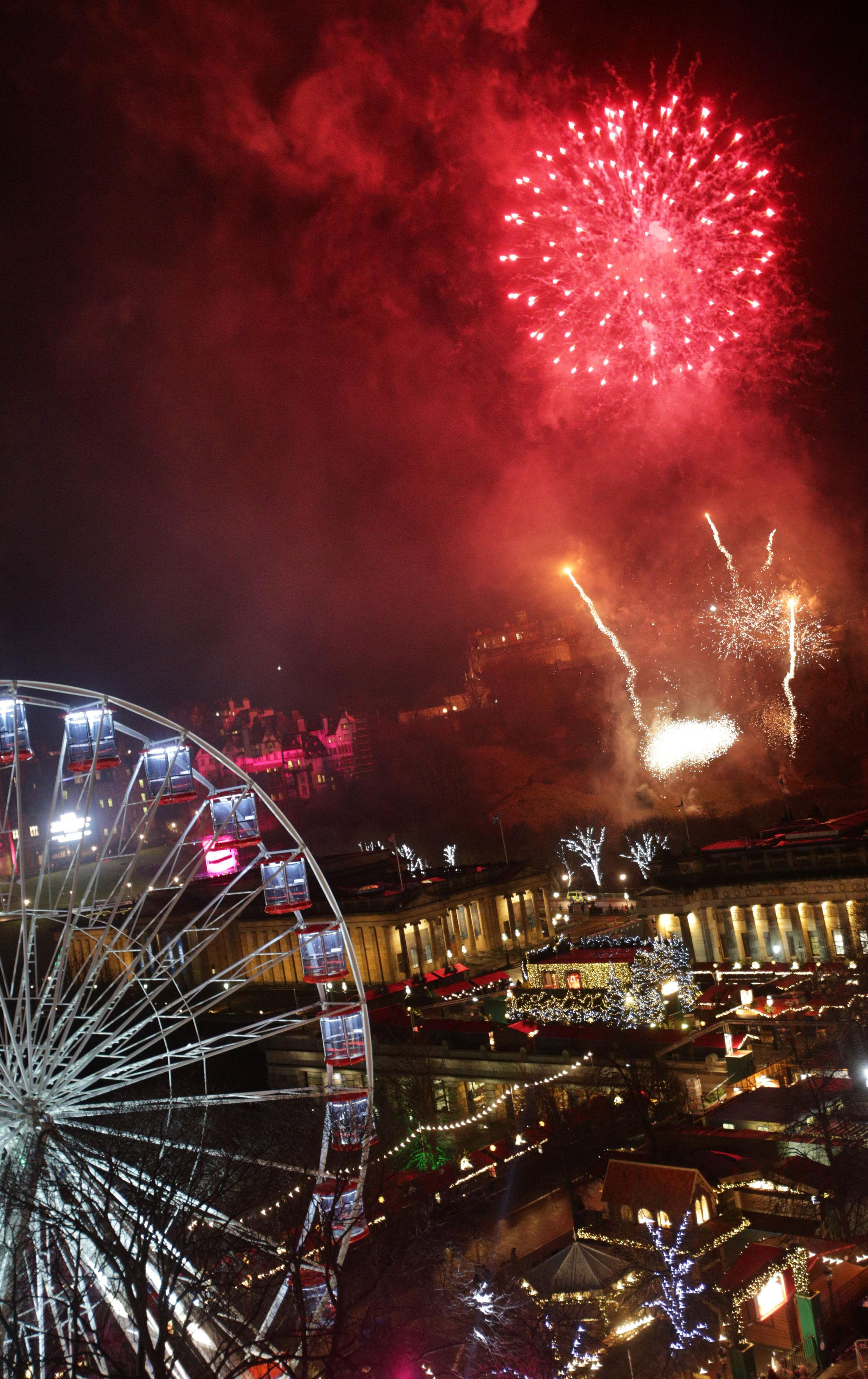 Scots bring in the bells watching dazzling fireworks at Edinburgh s     The amazing spectacle lit up the capital city