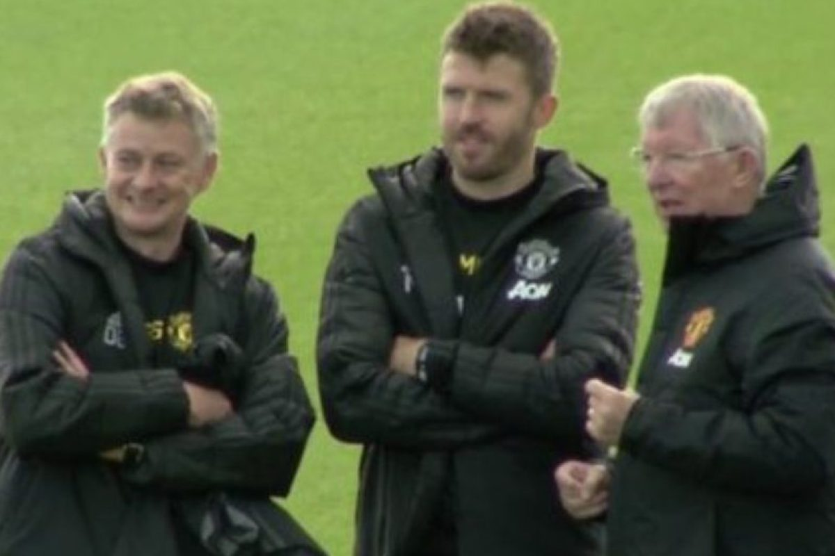 Sir Alex Ferguson at Man Utd training ground ahead of Liverpool match as Solskjaer turns to old boss for help