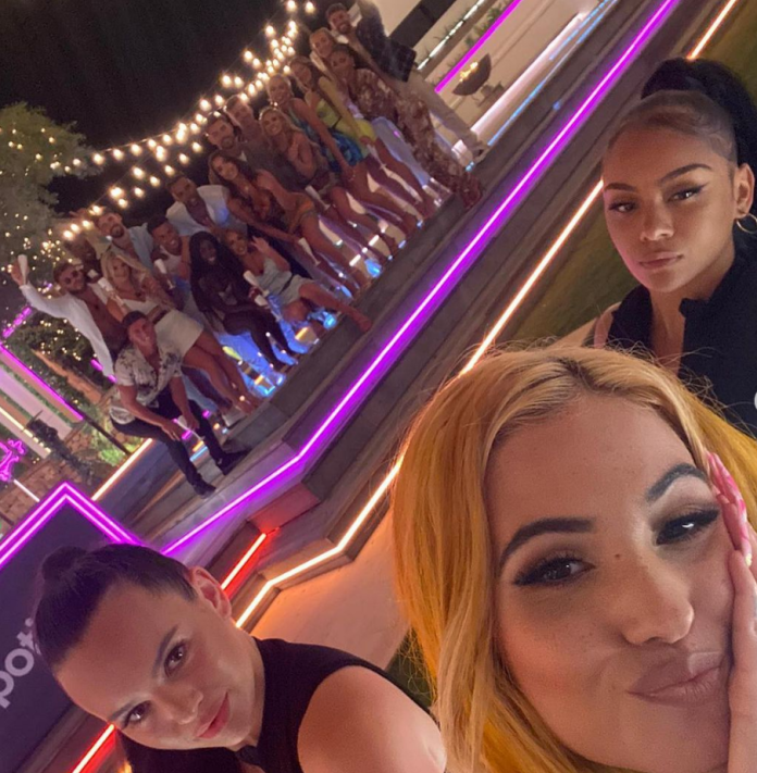 Mabel performed with two dancers in the Love Island villa last night