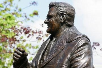 Revie Statue