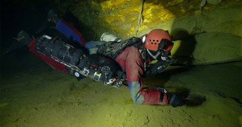 Czech scientists and divers create a 3D model of the flooded Chynov Cave