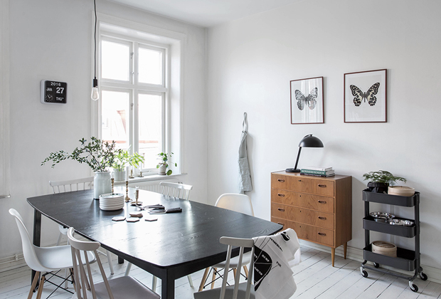 Home tour | A Swedish apartment with splashes of spring colour | These Four Walls blog