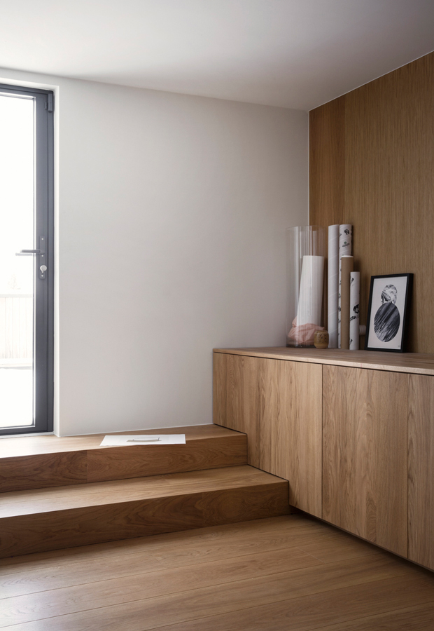 Home tour | A minimalist house by a Norwegian lake | These ...