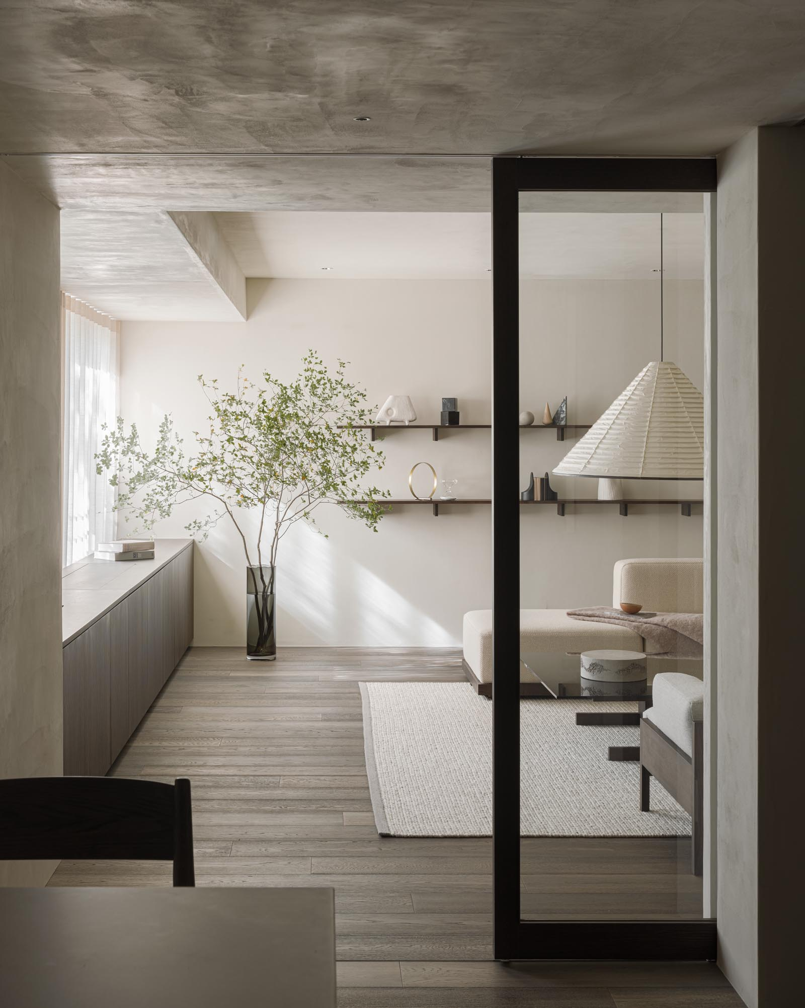 Home tour - a minimalist Tokyo apartment with dark, earthy tones, natural materials and Japandi design | These Four Walls blog