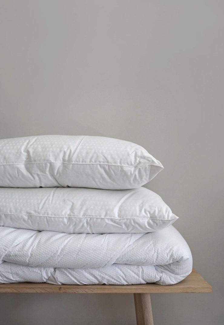 Temperature-control bedding from the Fine Bedding Company - review + giveaway | These Four Walls blog
