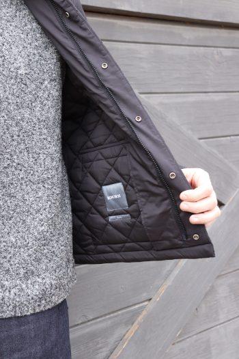 My hubby loves this mid-weight quilted jacket