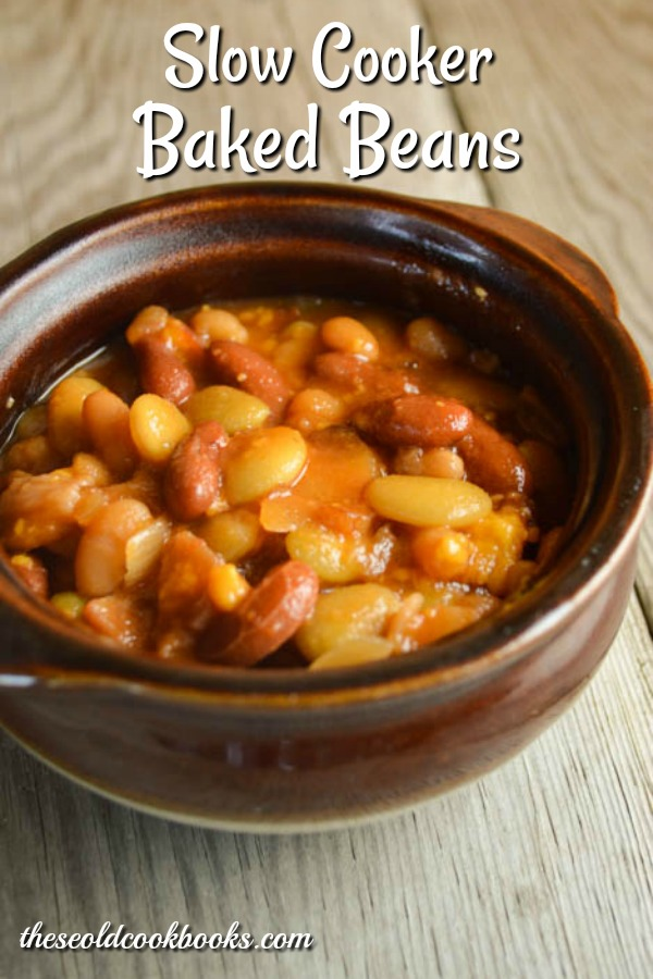 Slow Cooker Baked Beans are the perfect side dish for picnics, family dinners and potlucks.