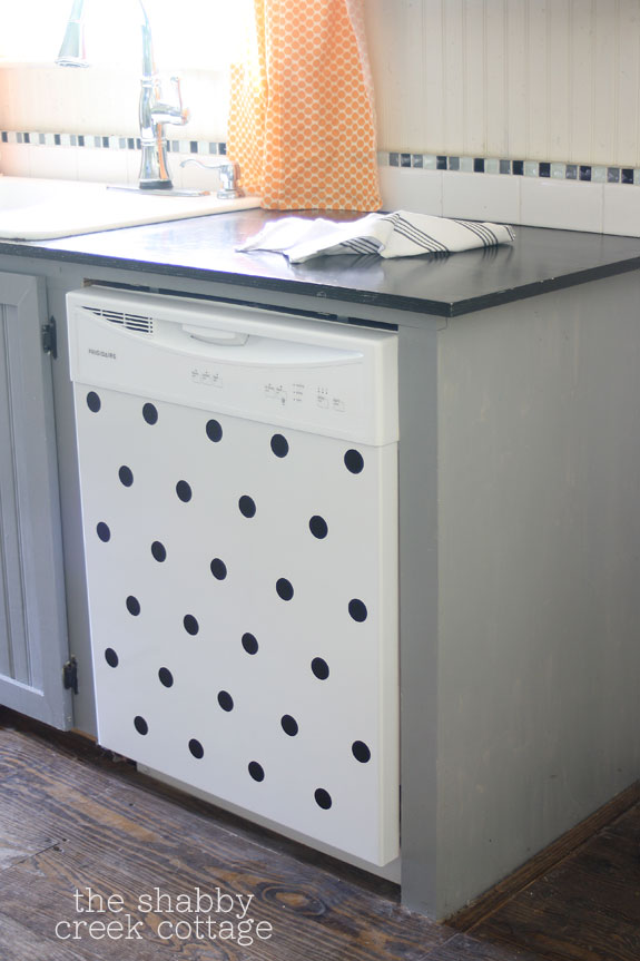 Polka-Dot-Dishwasher