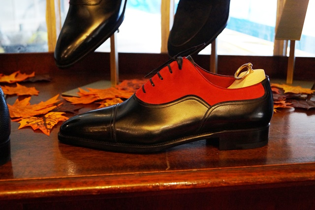 One of my all time favorite shoes and my inspiration for the combination of black and red