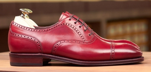 Even a shoe as beautiful as this Carmina brogue above does not hold a light to the Delos shoes below.....the difference between machine made and handmade...and believe me the pics do not do justice to the handmade... (photo of Carmina courtesy of Leatherfoot)