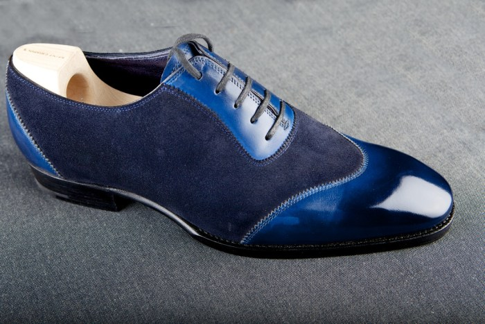 beautiful Saint Crispins shoes, what a blue.... has nothing to do with post, but I know you would all want to see it!