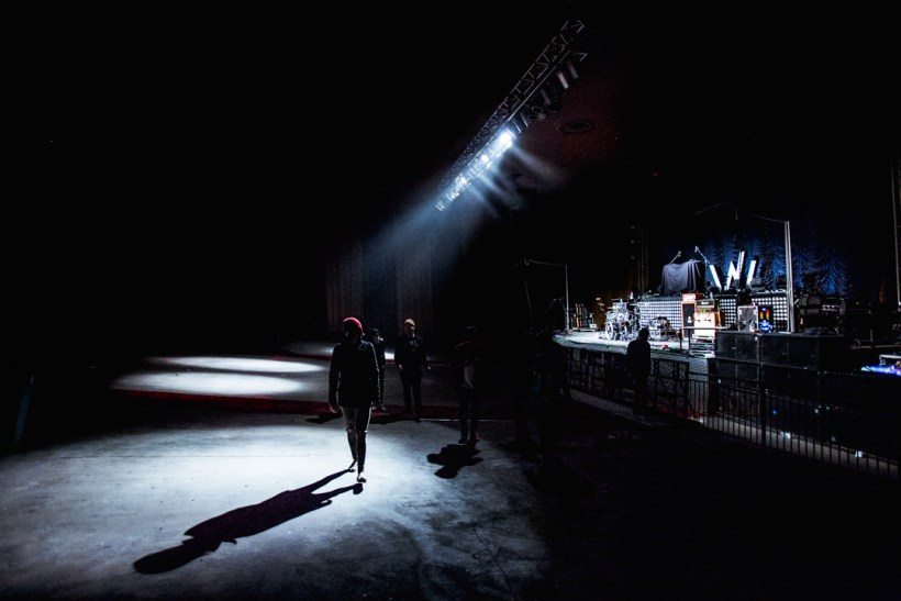 Sleeping With Sirens walking through the venue before doors opened.