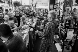 Flipp @ Know Name Records - RSD 2017