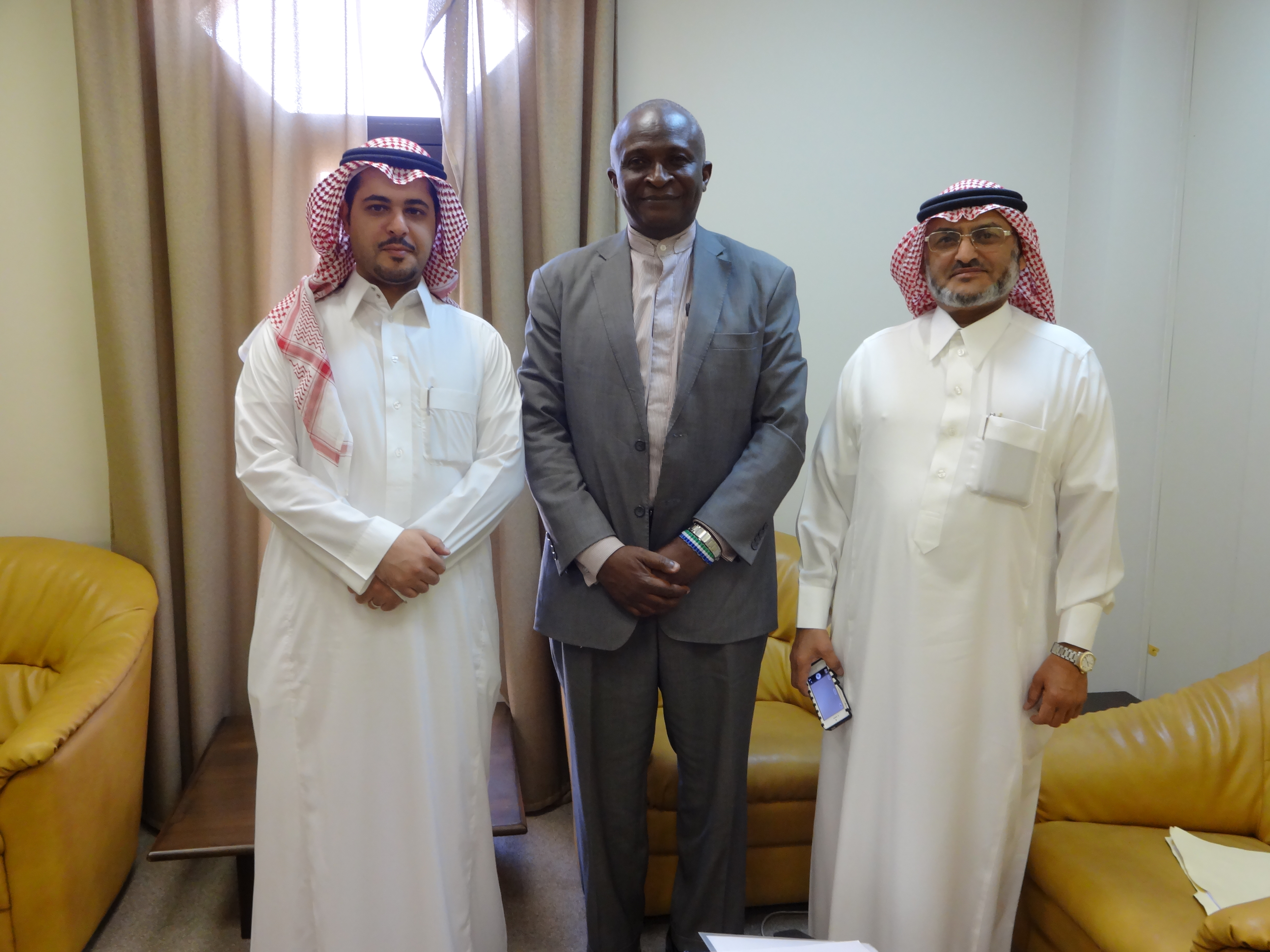 Saudi Fund – Kargbo flanked by Saudi Fund top officials