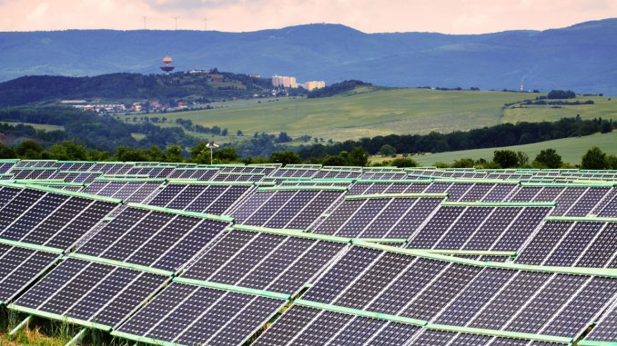 solar-farm2.jpg?resize=678%2C381