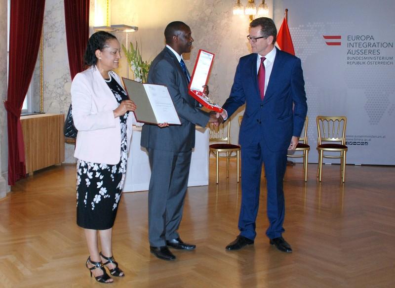 Dr and Mrs Kandeh Yumkella with Dr  Wolfgang Waldner