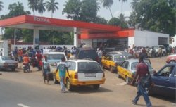 fuel crisis in Freetown- photo credit – Awoko