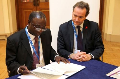 Minister_Hurd_and_Ghanas_Honourable_Minister_of_Power_Dr_Kwabena_Donkor_-_GovUK