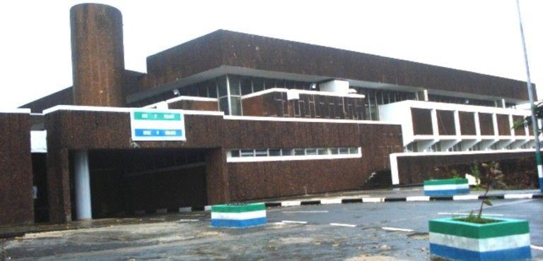 Parliament of Sierra Leone.jpg2